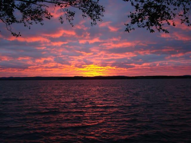 Lakeside Chalet Lake Aylmer Estrie - Stratford - Chatka w górach
