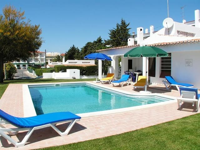 Villa Pomba walking  beach & Strip - Albufeira - Casa