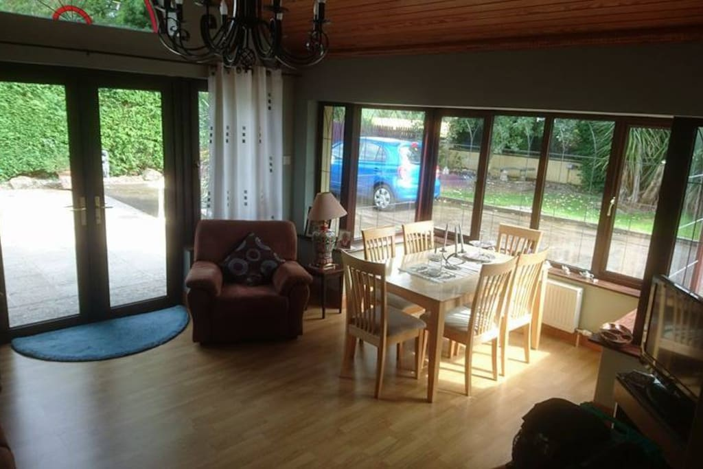 Guests tv and dining room