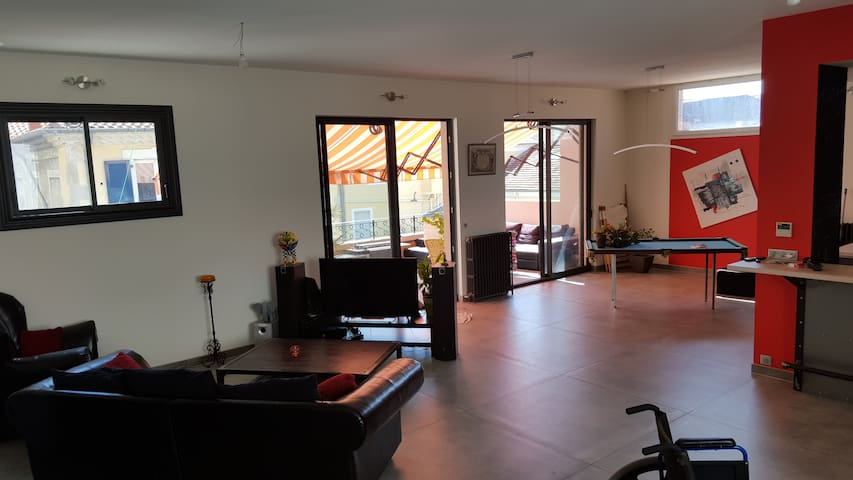 Grand et beau appartement en centre ville - Alès - Appartement