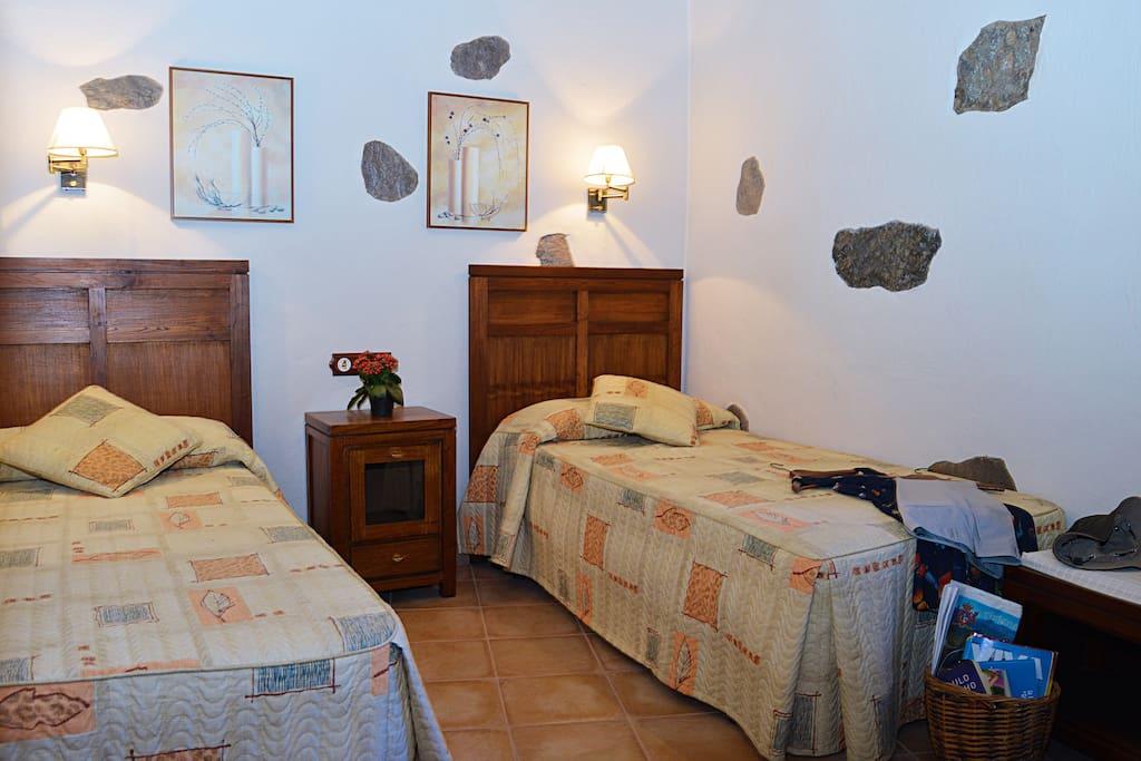 1 dormitorio con camas individuales