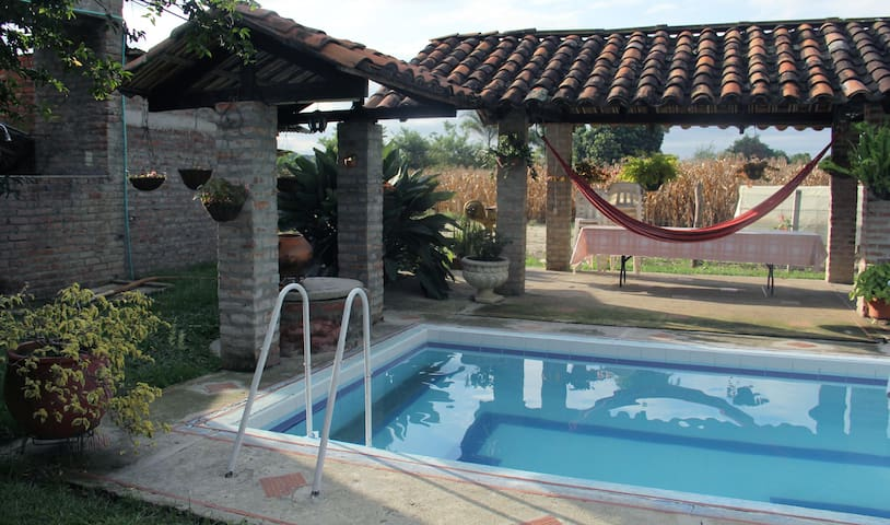 Finca hotel Villaescocia - Buga - Chatka