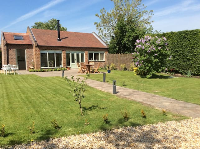beautiful cottage nr Melton Mowbray - Langar - Dům