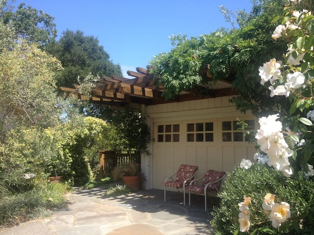 Cozy poolside in-law in Larkspur, 20min. to SF - Larkspur - House
