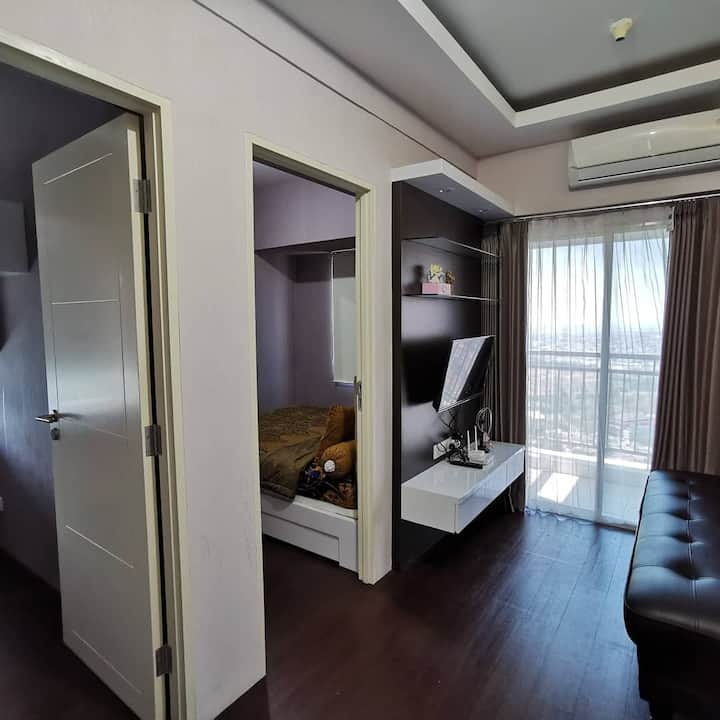 2 BR comfy apartment above pakuwon mall 36th floor