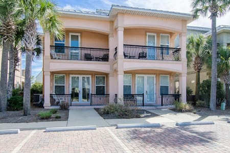 Beautiful Beach Villa in Miramar! - Miramar Beach