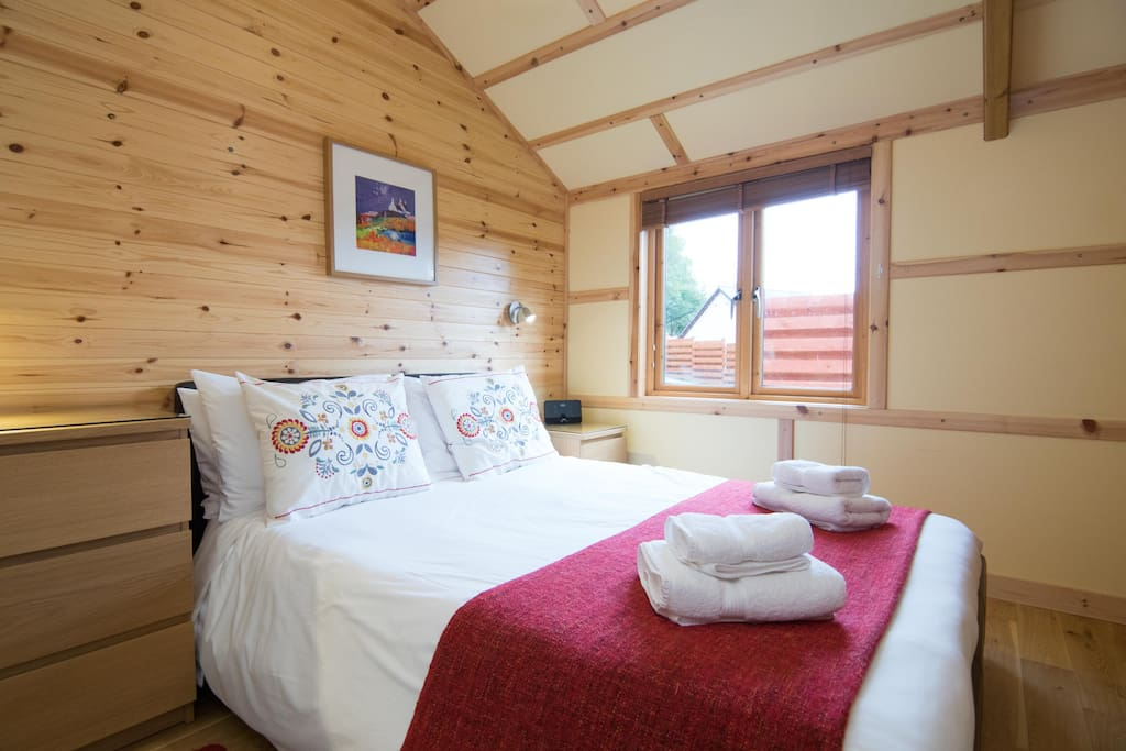 Double Bedroom with Luxury Egyptian Cotton Bedding