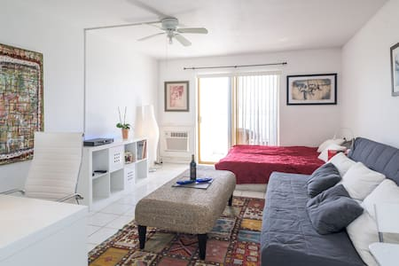 Large water front studio - North Bay Village (miami beach)