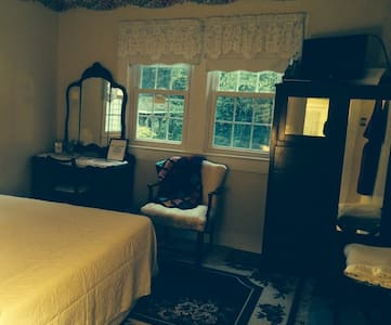 HomePlace B&B - Mun's Room - Bed & Breakfast
