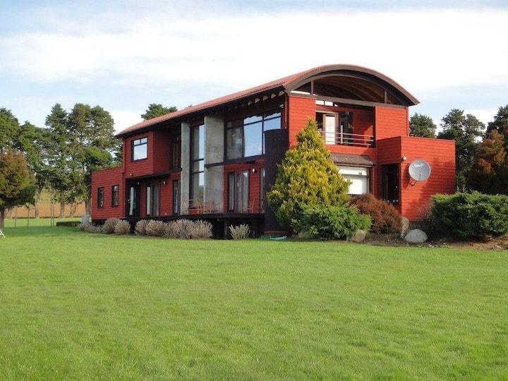 Espectacular casa con vista a los volcanes y Lago