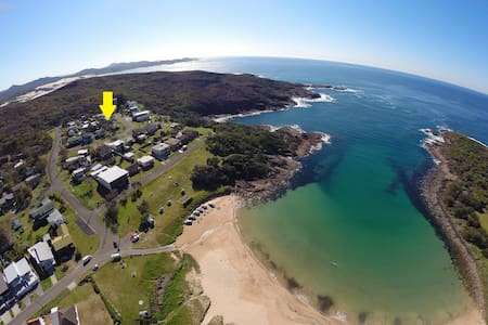 $225/NGT or 7 NGT $1245 till 28 Feb* - Sleeps 8 - Boat Harbour - House