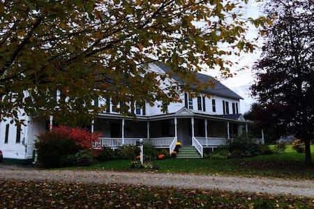 Sugarbush, Killington VT farmhouse - Ev