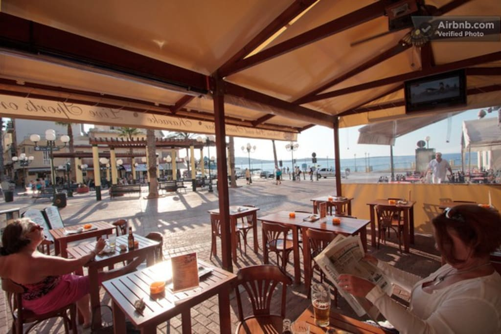 The main square in Saint Paul's bay where one can find plenty of bars and restaurants. Just 5 mins away from the apartment.