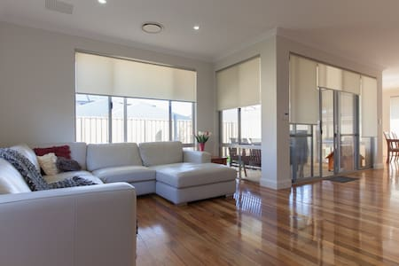 Modern Retreat Close to Beaches - Gwelup