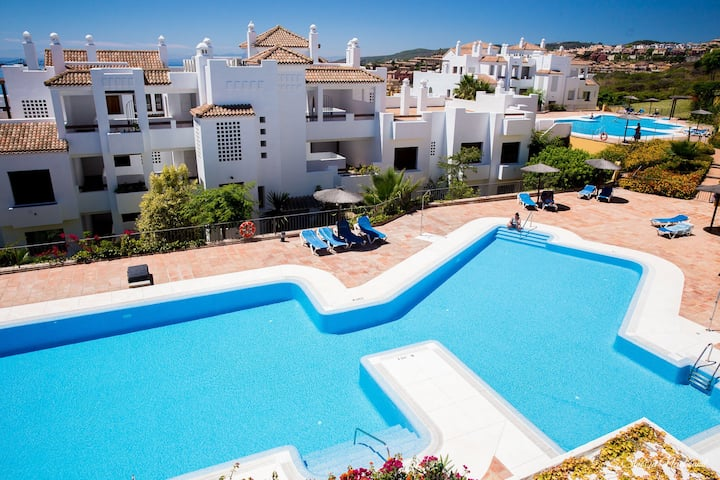 Deluxe Apartment 2 beds 2 baths Sea View Alcaidesa