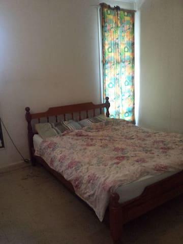 3 bedroom house - suburb of Tiwi - Tiwi - Rumah