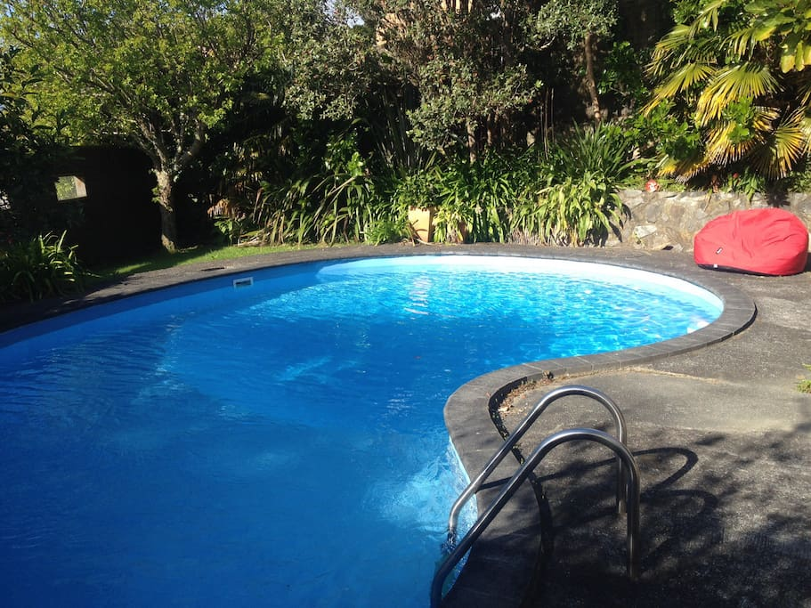 Guests are free to use the pool and loungers , chairs and lawn at their leisure