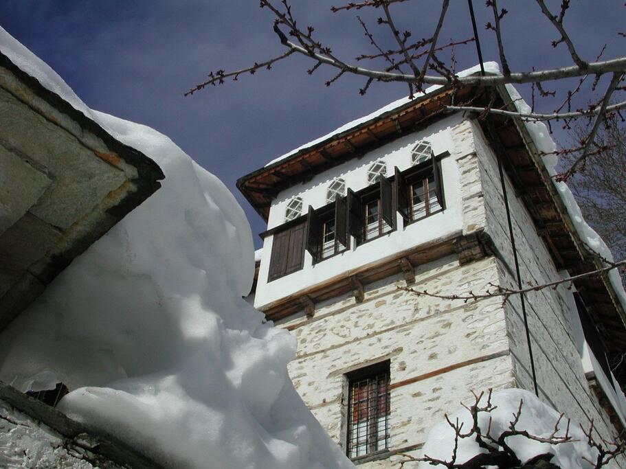 KONTOS MANSION/ARXONTIKO KONTOU SNOW