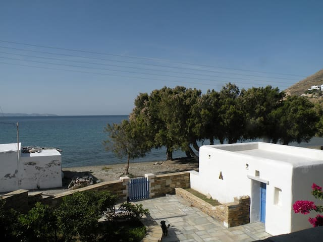 Beautiful house infront of the sea! - Tinos