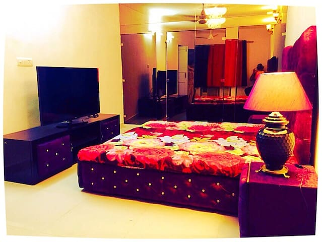 2bedroom apartment near hauz khas - New Delhi - Apartment