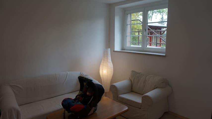 Freundliche 45 m² Wohnung - Hof - Apartment