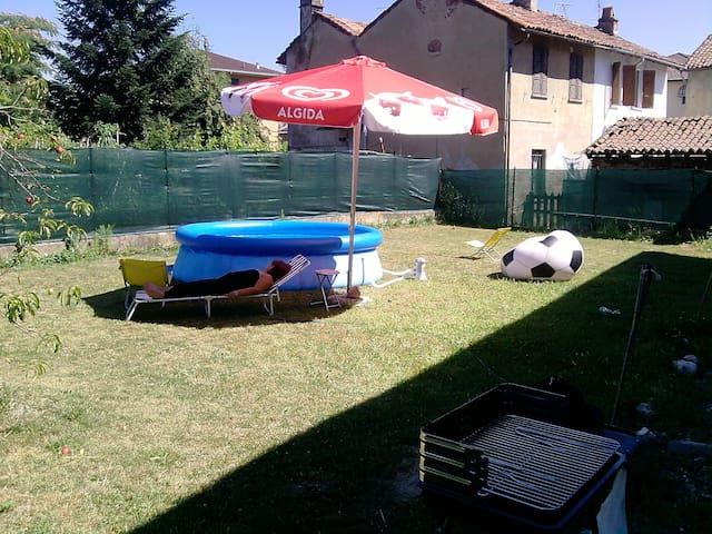 villa con giardino - Candia Lomellina - Huvila