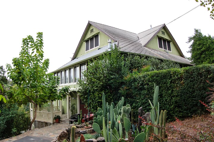 Historic Victorian Barretta Gardens - Sonora - Bed & Breakfast