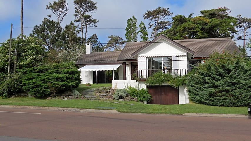 Esplendida casa con vista al mar - Maldonado - Casa