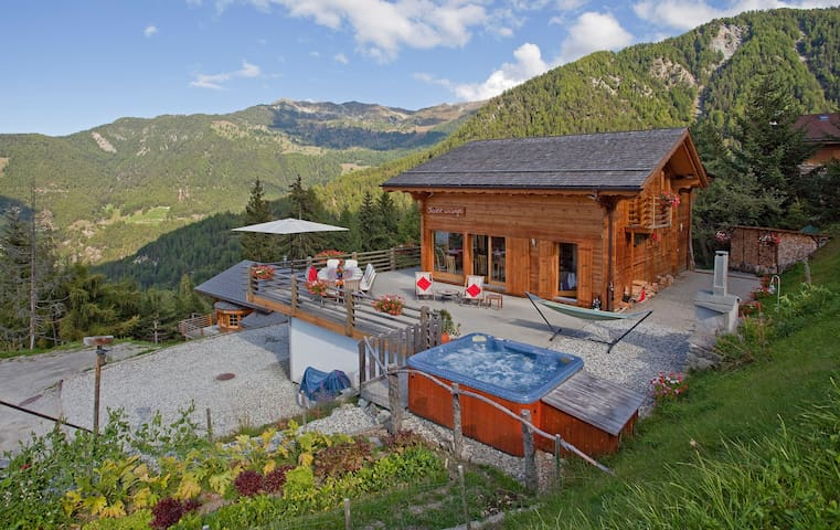 Chalet La Luge - Luxury Catered Chalet - halfboard - Riddes - Hotel boutique