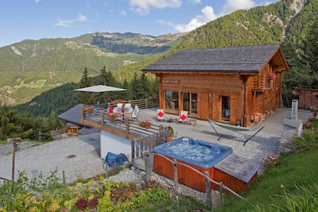 Chalet La Luge - Luxury Catered Chalet - halfboard - Riddes - Hotel butique
