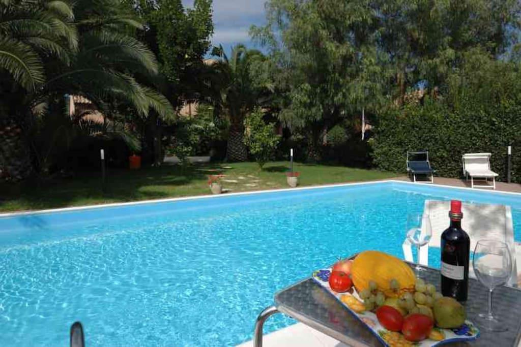 Villa il casale con piscina ville in affitto a ballata - Villa con piscina sicilia ...