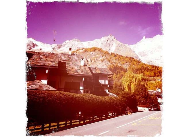 Mountain house in good position. - Courmayeur - Departamento