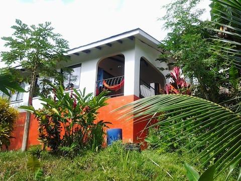 PAPAYAS GUEST HOUSE 169e 6 adults 2 child