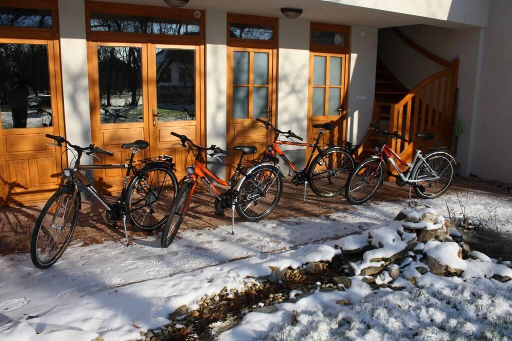 Kerékpárok bérelhetők
