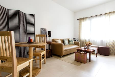 Rustic Basic Studio Room - Quezon City - Apartment