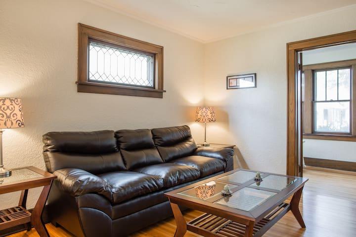 Weston House - Three Bedroom Spacious Apartment - Cataratas do Niágara - Apartamento
