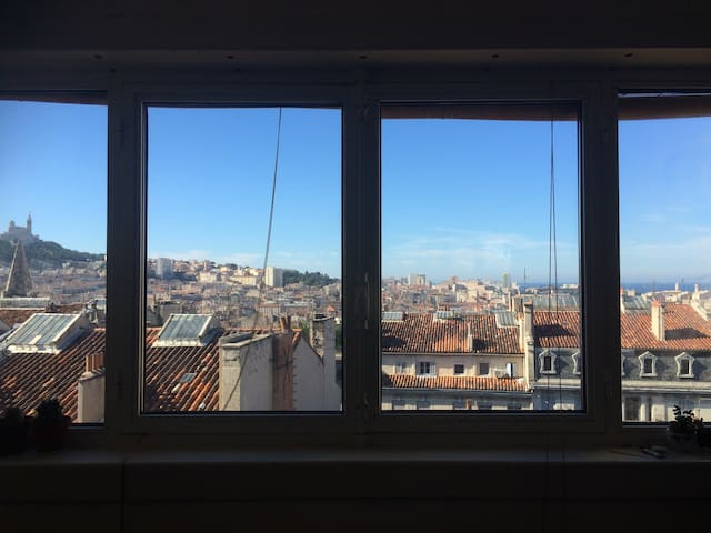 Cosy flat - wonderful panoramic view over the city - Marseille - Apartment