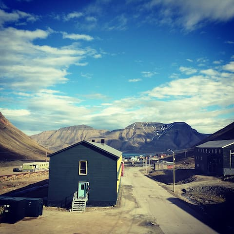 An apartment with a fantastic view - Longyearbyen
