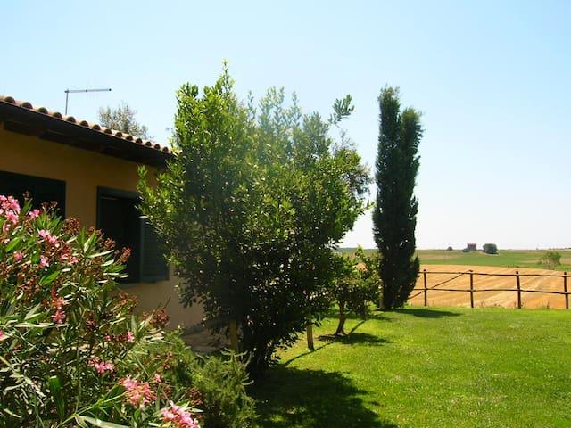 CASALETT0  MAREMMA   1 KM DAL MARE - Pescia Romana - Σπίτι