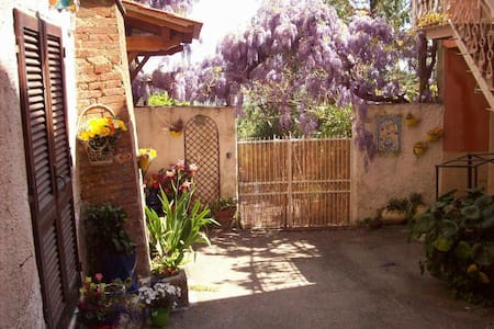 holidays in tuscany - Townhouse