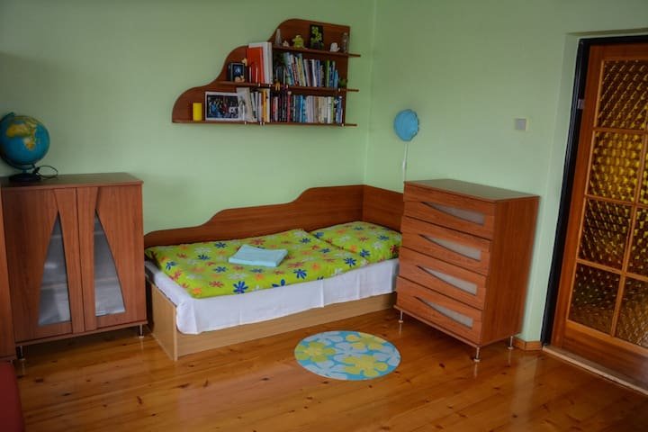 Country House near ZOO and SkiAreal - Košice - บ้าน