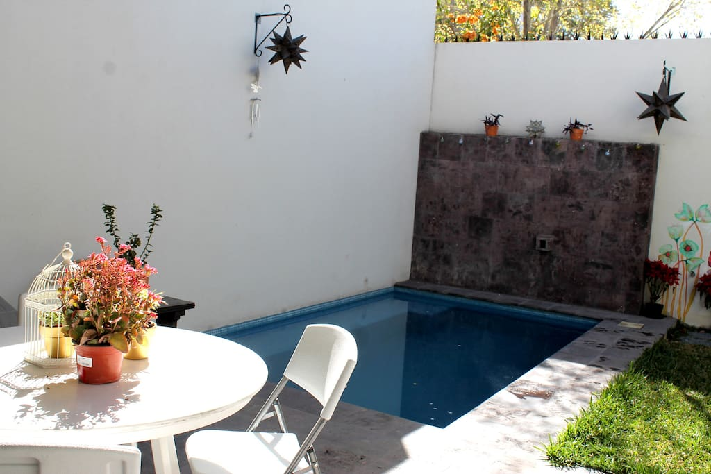 Piscina/Swimming pool.