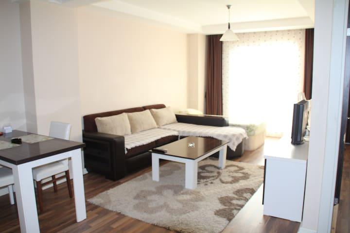 Beylikdüzü E5üstü günlük kiralik ev - Beylikdüzü - Appartement