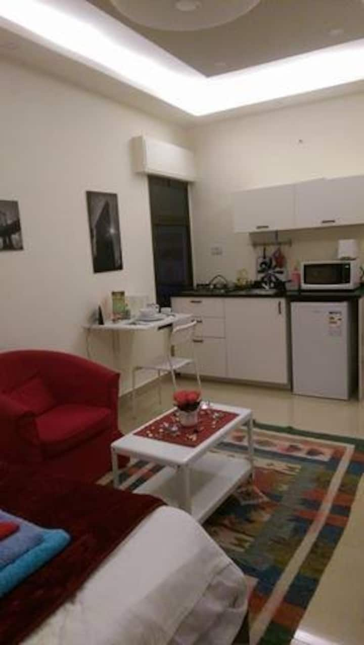 new clean studio great location(7th circle area)