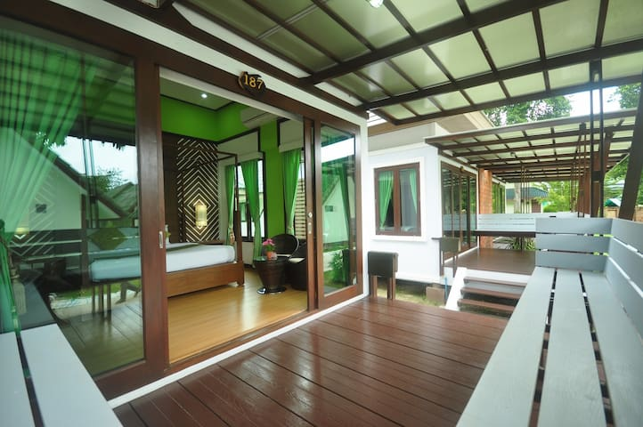 Intimate Bungalow on Phi Phi Island - Ko Phi Phi Don - Bungalow