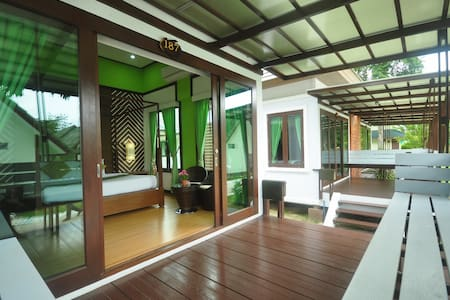 Intimate Bungalow on Phi Phi Island - Ko Phi Phi Don