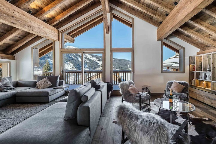 Chalet Fontany : Spacious and modern chalet with jacuzzi and sauna.
