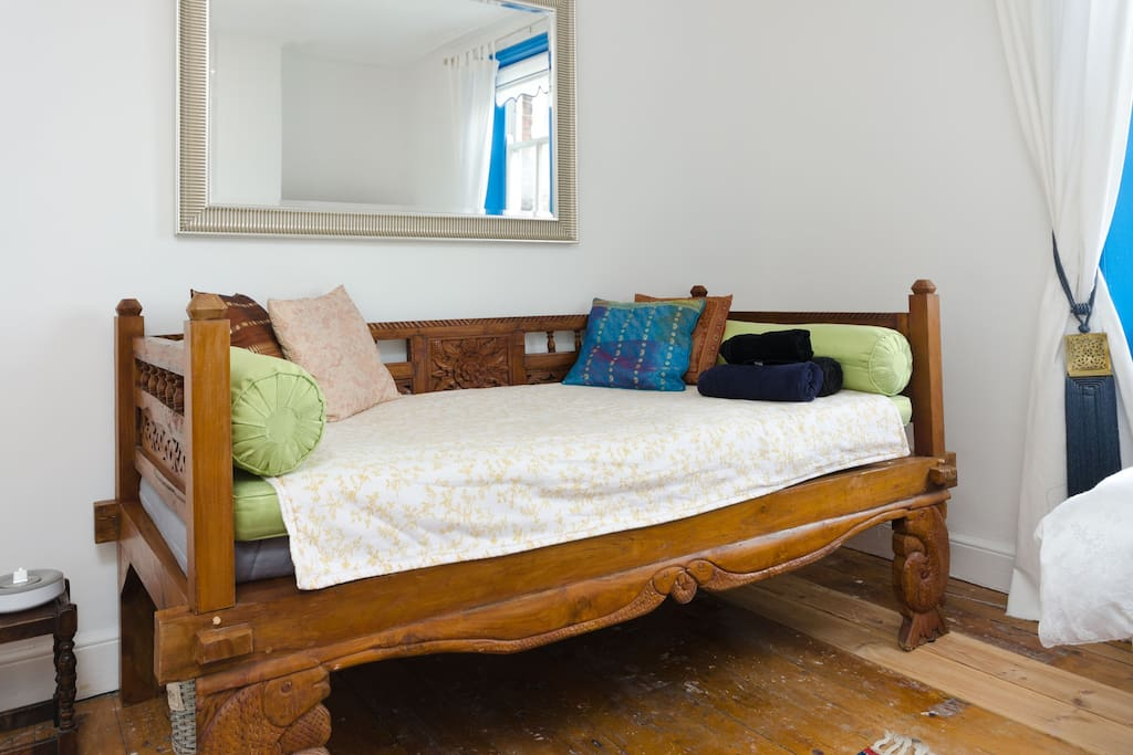 Daybed to relax, can use as single bed