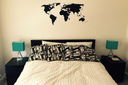 Clean, Quiet, Comfortable Room