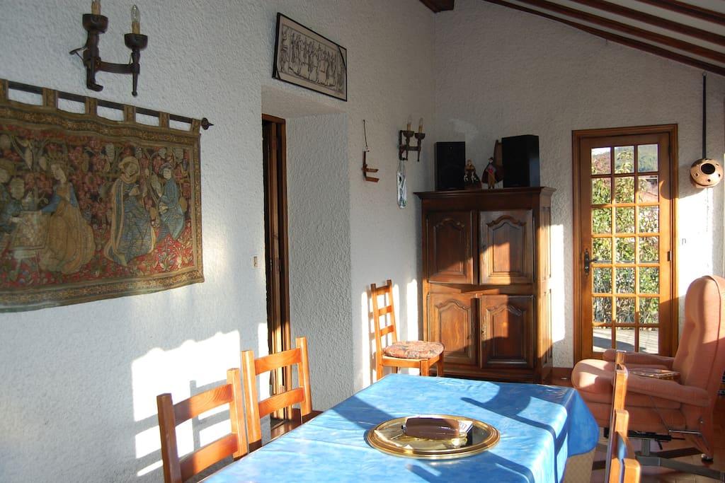 Maison meubl de tourisme 3 coeur pays cathare maisons for Maison de france meuble